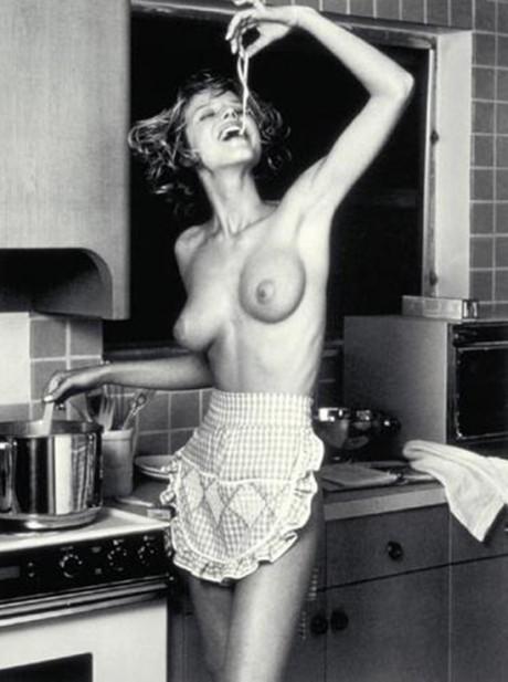 eva herzigova, model, food, food of love, pasta, eating, happy, photography