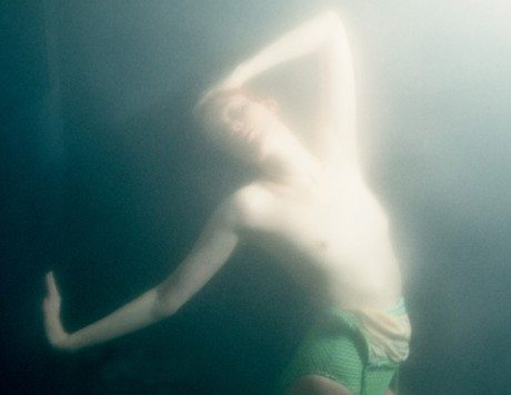 Karen Elson, model, fashion, photography, water, underwater, cheeky, Theo Werner, Double, No.26 FW 2013, magazine, editorial