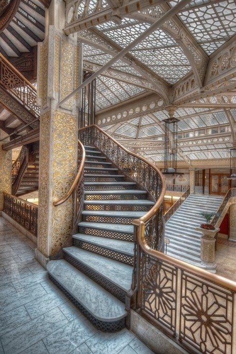 architecture, interior, Chicago, The Rookery, Burnham and Root, 1888, Frank Lloyd Wright, lobby, redesign, skylit lobby, 1905.