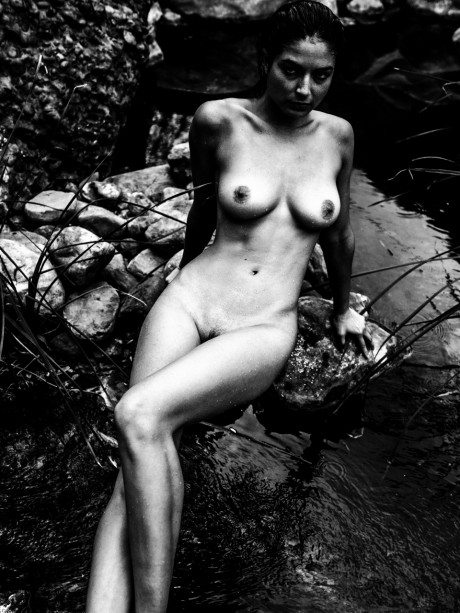 kesler tran, deep sea, photography, tumblr photographer, water, naked, nude, black and white, bw, black white