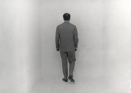 Photographer, yves klein, in the void room, Raum der Leere, 1961, Yves Klein Archive, Museum Haus Lange, Krefeld, Germany, photography, Monochome Bleu Sans Titre, KB 45, 1960