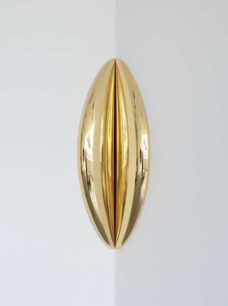 In-between, Anish Kapoor, Stainless steel and gold, sculpture, sex, vagina, art